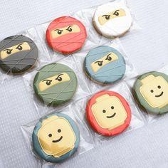 "Fighting fit ninja's ... think they will loose the battle in the end ... ☺️ . . . . #anakatjanacookies #legocookies #ninjacookies"" • Oct 19, 2020 at 8:56am UT"