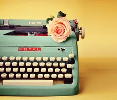 1000+ images about Typemachine on Pinterest | Typewriters ...  Typewriter Photography Tumblr