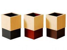 ヤマト工芸の中では有名なシリーズですね。袋をセットして、上から蓋をすればビニールが全く見えない画期的なゴミ箱です。