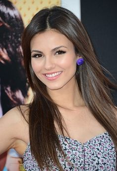 """( CELEBRITY WOMAN 2016 ★ VICTORIA JUSTICE ) ★ Victoria Dawn Justice - Friday, February 19, 1993 - 5' 5½"""" 117 lbs 34-23-32 - Hollywood, Florida, USA."""