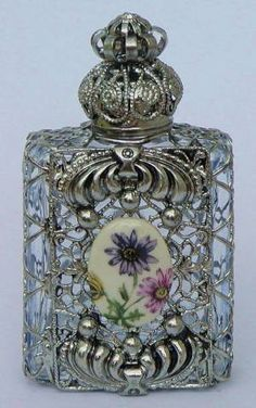 Vintage Perfume Bottle//one of the most beautiful ive ever seen