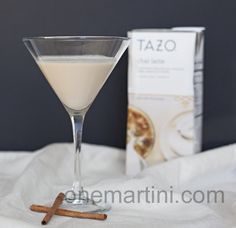 I have a major weakness for salted caramel anything. From dark chocolate covered candies to vodka if it says salted caramel, I'm all for it. This salted caramel chai cocktail. Party Drinks, Cocktail Drinks, Fun Drinks, Yummy Drinks, Cocktail Recipes, Alcoholic Drinks, Beverages, Yummy Food, Pinnacle Vodka Drinks
