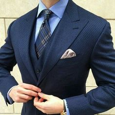 Blue checkerd suit with wide lapelle at Patyrn. Mens Fashion Blog, Mens Fashion Suits, Mens Suits, Suit Men, Fashion Styles, Navy Blue Suit, Designer Suits For Men, Herren Outfit, Three Piece Suit