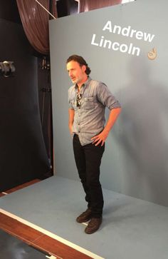 I can't I swear am done with life Andy Lincoln, Sdcc 2016, Walking Dead Tv Show, Done With Life, Stuff And Thangs, Television Program, Entertainment Weekly, Rick Grimes, Norman Reedus