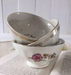 White porcelain cafe au lait bowl 1950's.French vintage tea bowl flower design transferware.Gold rim faceted french breakfast,Ancient decor by frenchvintagebazaar on Etsy