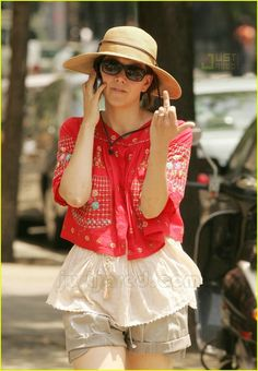 Maggie Gyllenhaal giving the finger Socialite Life I Salute You, Maggie Gyllenhaal, Brown Shorts, Native American Fashion, Celebs, Celebrities, Katy Perry, Celebrity Pictures, Are You The One