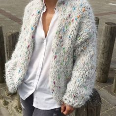 kiro by kim bomber handknitted cardigan door Kirobykimchunkyknits op Etsy Crochet Clothes, Diy Clothes, Clothes For Women, Knitwear Fashion, Knit Fashion, Mohair Sweater, Knit Cardigan, Kiro By Kim, Mode Cool