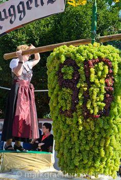 Trachtenumzug und Winzerfest in Auggen – Teil 1 Would love to attend a German wine fest!! :)