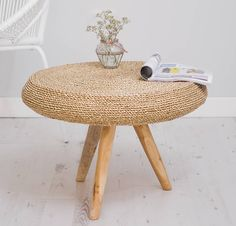 Wicker Side Table, Wicker Coffee Table, Wooden Side Table, Rustic Coffee Tables, Coffee Table Design, Round Side Table, Tire Furniture, Deco Table, Home And Deco