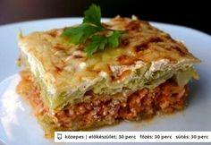 Rakott kelkáposzta 4. - több húsos European Dishes, Hungarian Recipes, Hungarian Food, Tasty Dishes, Lasagna, Meal Planning, Crockpot, Slow Cooker, Food And Drink