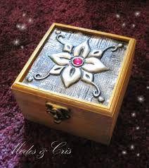 Resultado de imagen para cajas de madera con repujado