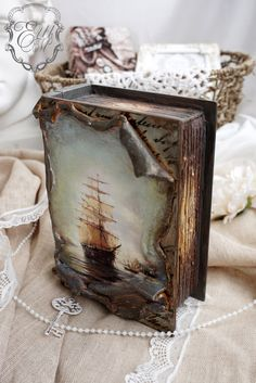 1 million+ Stunning Free Images to Use Anywhere Mixed Media Boxes, Mixed Media Art, Handmade Journals, Handmade Books, Altered Books, Altered Art, Decoupage Box, Feather Crafts, Book Sculpture