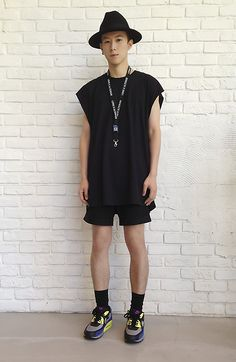 . http://raynfromthesky.blogspot.com . Black Gypsy Hat, Black Long T Shirt, H Black Shorts, Nike Color Trainers