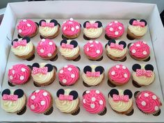 Minnie Mouse Decoration Ideas for Birthday Beautiful Minnie Mouse theme Birthday Party Minnie Mouse Decoration Ideas for Birthday Beautiful Minnie Mouse theme Birthday Party Minni Mouse Cake, Bolo Da Minnie Mouse, Minnie Mouse Birthday Theme, Minnie Mouse Baby Shower, 1st Birthday Girls, 1st Birthday Parties, Minnie Mouse Decorations, 1st Birthdays, Minnie Mouse Cupcake Cake