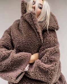 Shop Your Screenshots™ with LIKEtoKNOW. Warm Outfits, Winter Fashion Outfits, Classic Outfits, Autumn Winter Fashion, Yves Saint Laurent, Teddy Coat, Latte, Winter Looks, Street Chic