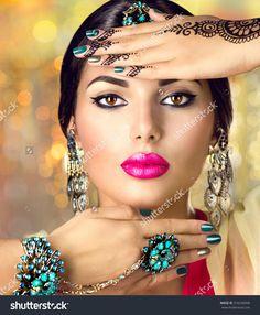 Beautiful Indian woman with black mehndi tattoo. With black henna t , Bridal Makeup Looks, Indian Bridal Makeup, Wedding Makeup, Native American Wedding, Bridal Sari, Bridal Lehenga Collection, Black Henna, Best Eyeshadow, Female Portrait