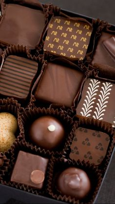 Food/Chocolate Wallpaper ID: 412035 - Mobile Abyss Chocolate Dreams, I Love Chocolate, Easter Chocolate, Chocolate Lovers, Chocolate Desserts, Luxury Chocolate, Flummery, Chocolate Drawing, Chocolate Shapes