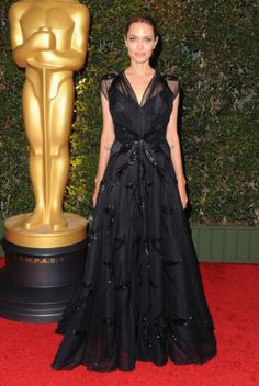 Is anyone else dying over Angelina Jolie in this Versace dress?