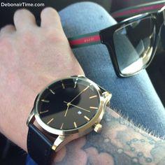 """Moda Masculina no Instagram: """"Seja estiloso e confira o imenso catálogo da @debonairtime de relógios, braceletes e acessórios! Na foto o novo relógio dourado e preto """"Bayswater"""", à venda por US$ 65 com ENTREGA GRÁTIS PARA O MUNDO INTEIRO & CAIXA LUXUOSA - Dê um upgrade no seu pulso e veja mais em www.DebonairTime.com @debonairtime @debonairtime @debonairtime @debonairtime"""""""