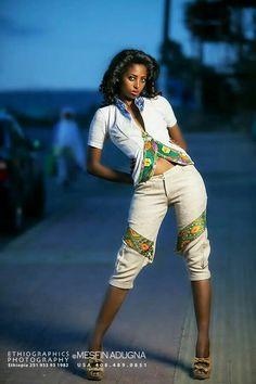 Ethiopian outfit Ethnic Fashion, Modern Fashion, African Fashion, Love Fashion, Fashion Outfits, Ethiopian Beauty, Ethiopian Dress, Ethiopia People, Ethiopian Wedding