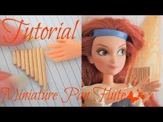 Tutoriel : flûte de pan miniature pour nos dolls 🧚♀️🎶 🧚♂️ Doll Tutorial, Lps, Pet Shop, Barbie, Miniatures, Youtube, Movie Posters, Pan Flute, Pet Store