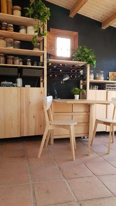 Best kitchen with Ivar IKEA – toptrendpin. Ikea Ivar Regal, Home Decor Kitchen, Diy Kitchen, Freestanding Kitchen, Ikea Living Room, Ikea Shelves, Tiny Apartments, Deco Furniture, Cabin Homes