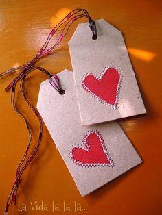 etiquetas de corazones de tela