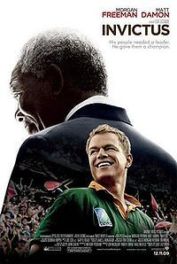 From director Clint Eastwood, Invictus tells the inspiring true story of how Nelson Mandela (Morgan Freeman) joined forces with the captain of South Africa's rugby team, Francois Pienaar (Matt Damon), to help unite their country. Movies And Series, Hd Movies, Movies Online, Movies And Tv Shows, Movie Tv, Matt Damon, Nelson Mandela, Clint Eastwood, Apartheid