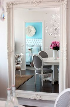 Lexington Avenue Office Design by +Quespacio decor tip: a big mirror opens up a small space Stairs aquarium in home interior decorating 19 House Of Turquoise, Pink Turquoise, Turquoise Walls, Bedroom Turquoise, Blue Bedroom, Bedroom Colors, Modern Bedroom, Pink Blue, Hot Pink