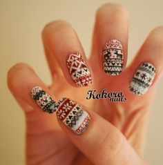 kokoro nails: FAIR ISLE NAIL ART