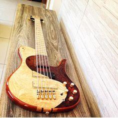 """What an impressive bass by @juniorgarcia_luthier #BassItUpThursday #bass #bassguitar #bassplayer #bassist #bassporn #bassgram #guitarsofinstagram…"""
