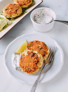 Sesame Panko Crab Cakes with Cilantro Lime Tartar Sauce. One of the all-time best seafood dishes Seafood Pasta Recipes, Seafood Dishes, Fish And Seafood, Asian Recipes, Healthy Recipes, Ethnic Recipes, Chinese Recipes, Chinese Food, Healthy Meals