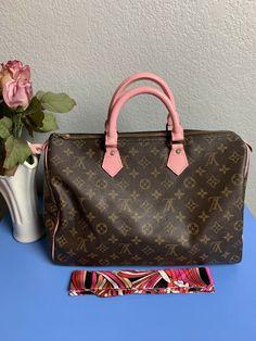 1b7ee784f64f Whats in my Louis Vuitton Speedy 35  louisvuitton  speedy35 ...