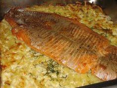 Lohta perunapedillä: Tasty, Yummy Food, Recipe For Mom, Sweet And Salty, Fish Recipes, Nom Nom, Salmon, Pork, Easy Meals