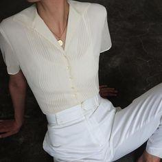 Vintage ivory 100% silk chiffon button up blouse