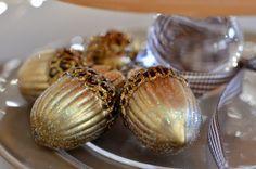 Adorable acorn ornaments on Brunch Buffet! via More Fun Less Laundry
