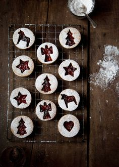 Roasted Almond Linzer Cookies - www.cavoletto.com