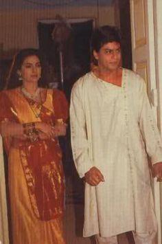 Shah Rukh Khan and Juhi Chawla - on the set - Yes Boss
