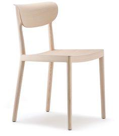 Tivoli 2800 - Sedia in legno con telaio in essenza di frassino che ripercorre il tema delle sedute in legno tradizionali conservando l'idea di comodità e convivialità.