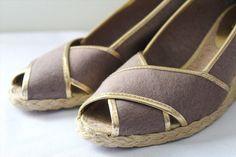 76.00$  Watch now - http://viosb.justgood.pw/vig/item.php?t=ggzwaw25163 - NEW! Ralph Lauren Cecilia Mocha Brown Gold PeepToe Espadrille Sandals 9.5 B $108