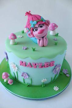 Trolls cake. Princess Poppy cake topper