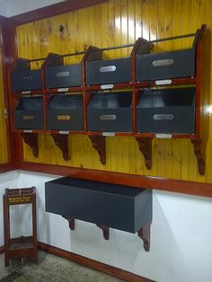 Shelves made to fit matching grooming totes