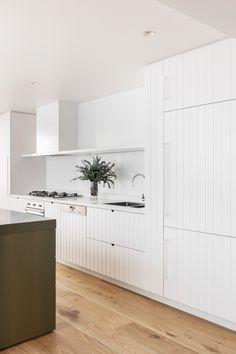 Minimalist Home Interior .Minimalist Home Interior Interior Desing, Home Interior, Interior Colors, Interior Lighting, Kitchen Interior, Home Decor Kitchen, Home Kitchens, Kitchen Dining, Beach House Kitchens
