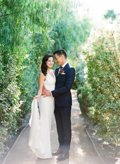 featured | 100layercake | classic modern wedding at the parker palm springs | makeup and hair by mieko | photos by birds of a feather (http://www.100layercake.com/blog/2016/04/12/classic-modern-wedding-at-the-parker-palm-springs-kelvin-stephanie/) #kellyzhang #kellyzhangstudio #birdsofafeather #classic #modern #vintage  #parkerpalmsprings #wedding #bride #bridal #dress