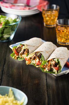 I Love Food, Good Food, Yummy Food, Shawarma, Salad Wraps, Tortilla Wraps, My Favorite Food, Low Carb Recipes, Dinner Recipes