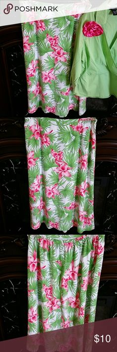 Aloha!! Bright green & pink flowered skirt! This skirt screams summer! Bright green leaves and bright pink flowers. Skirt is lined, elastic on back waist line and has side zipper. Judith Hart Skirts Maxi
