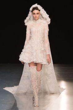 Sognare, sognare, sognare: gli abiti da sposa di moda per il 2018 sono questi che hanno sfilato per l'Haute Couture e li adoriamo letteralmente