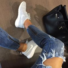 One teaspoon jeans and nike flyknit roshes LOVE