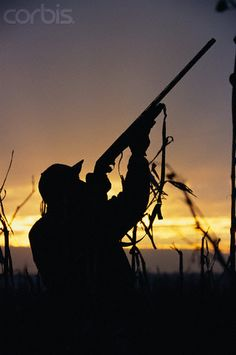 Senior picture ideas for girls and guys who shoot. Archery, guns, and hunting
