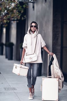 casual travel outfit